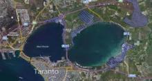 Immagine satellitare dei due seni del Mar Piccolo di Taranto