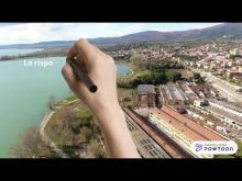 IL video descrive le interviste ai soggetti attuatori che hanno ideato e seguito  il progetto di riqualificazione  ambientale e urbana dell'area demaniale lungo  il lago  e la ex SAI Ambrosini